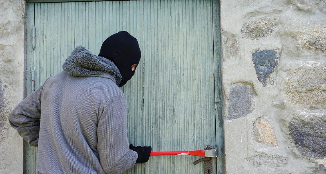 Burglar monetizes residence